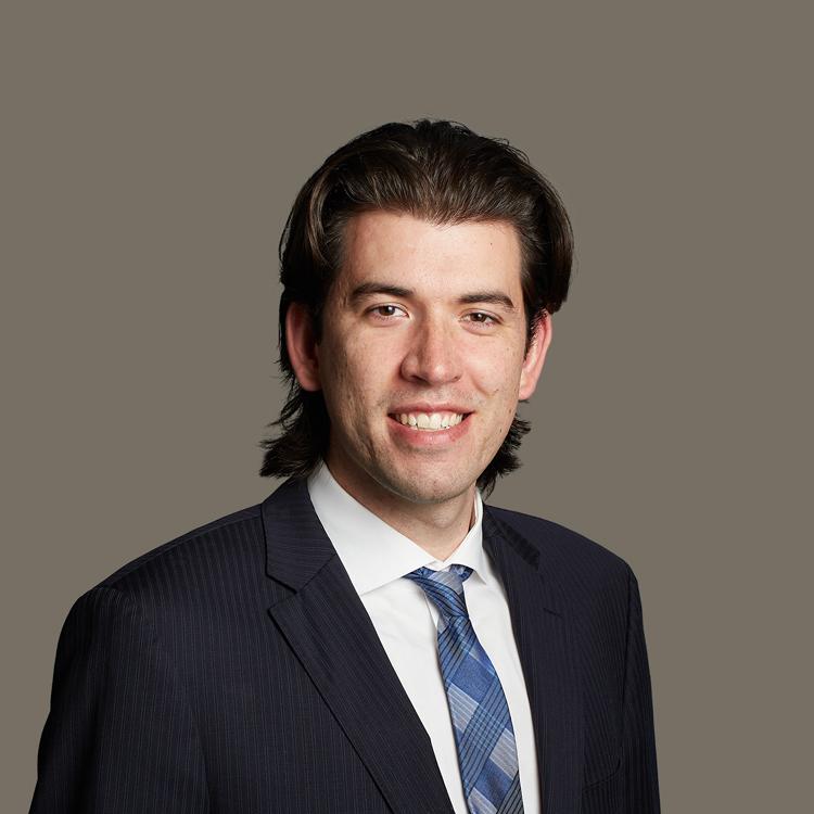 Ratcliff_Lawyer_Headshots_Jeff_750x750